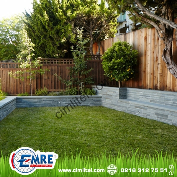 Grass Fence Roof Gardens